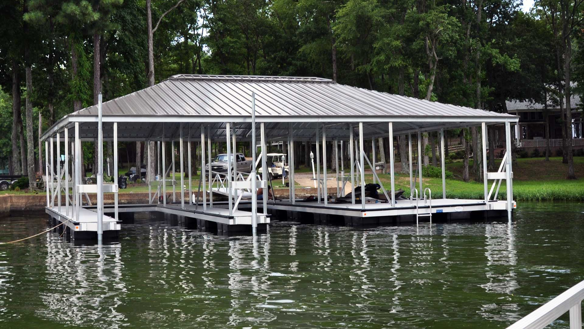 aluminum dock hip roof double slip