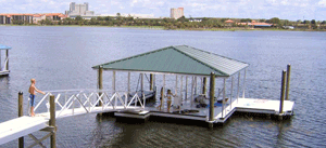 Aluminum dock frame with kids - Alumadock