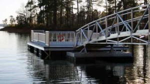 Float stabilizer on Aluminum Gangways by Alumadock